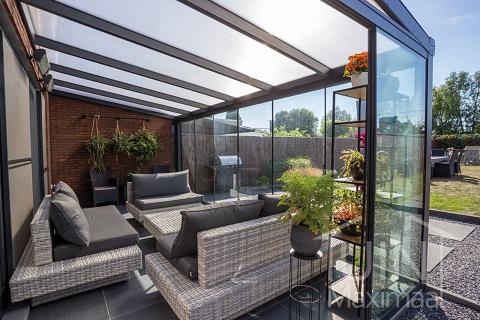 Neu bei Tuinmaximaal: Terrassenüberdachungen mit Milchglasdach!