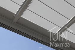 Gumax® automatischer Sonnenschutz in matt weiß von unten gesehen