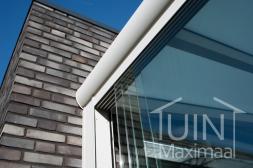 Gumax® Glasschiebewänden in matt weiß