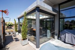 Gumax®Moderne Terrassenüberdachung mat anthrazit 6m glasschiebewanden