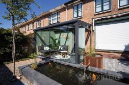 Moderne Gumax® Terrassenüberdachung in mat antraciet, 4,06 meter und 2,5 meter
