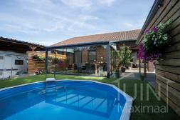 Moderne Gumax® Terrassenüberdachung in mat antraciet, 5,06 meter und 4 meter