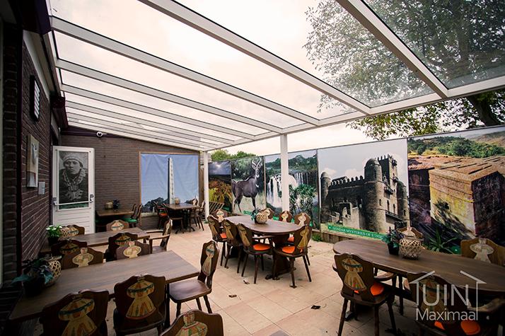 restaurant mit terrassenuberdachung mit glasdach